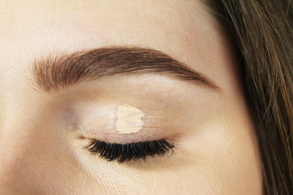 زدن پرایمر چشم