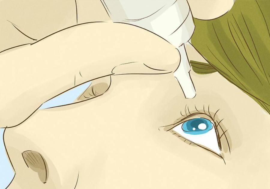استفاده از قطره چشمی