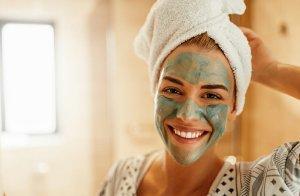 بهترین ماسک خانگی برای روشن کردن و شفافیت پوست