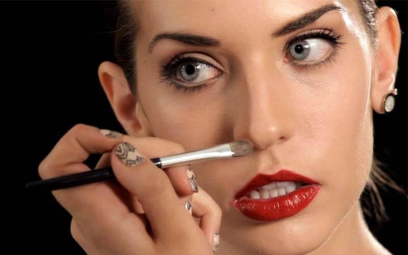 ترفند کوچک نشان دادن بینی با آرایش