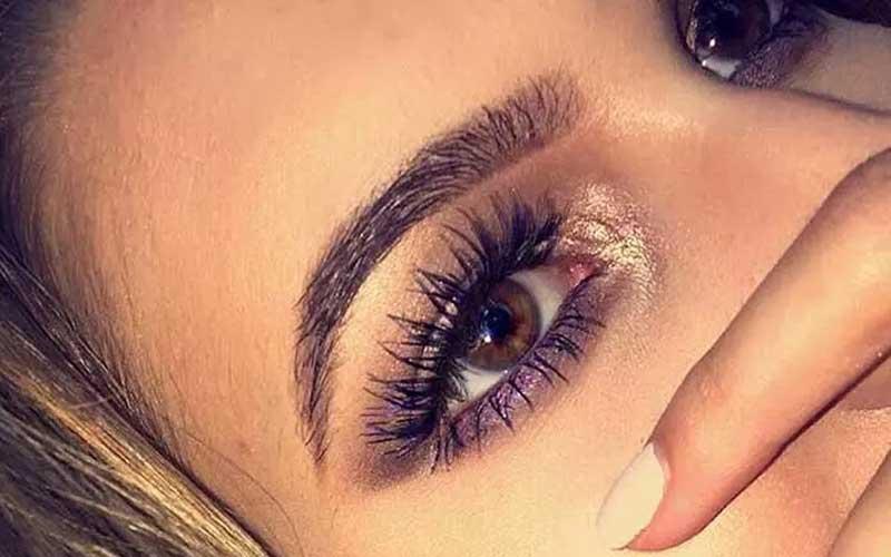 روشن کردن گوشه داخلی چشم