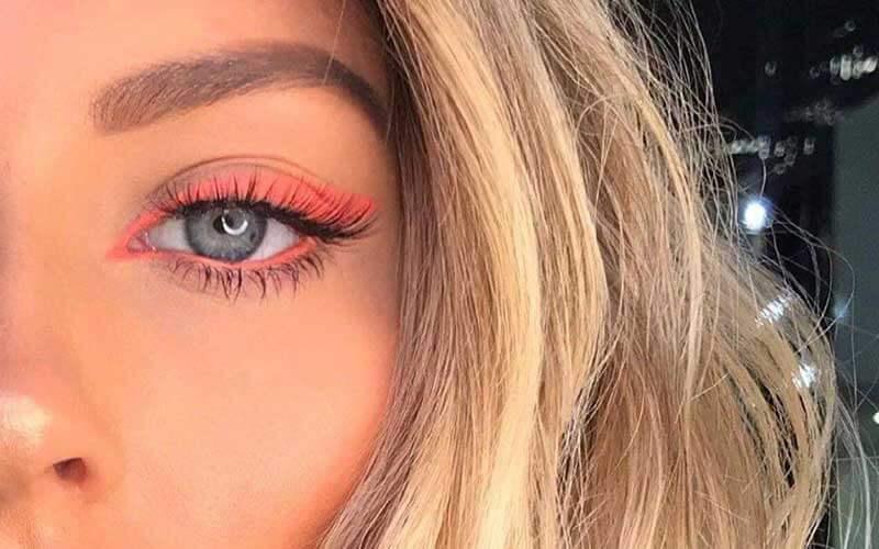 استفاده از خط چشم ها و ریمل های رنگی
