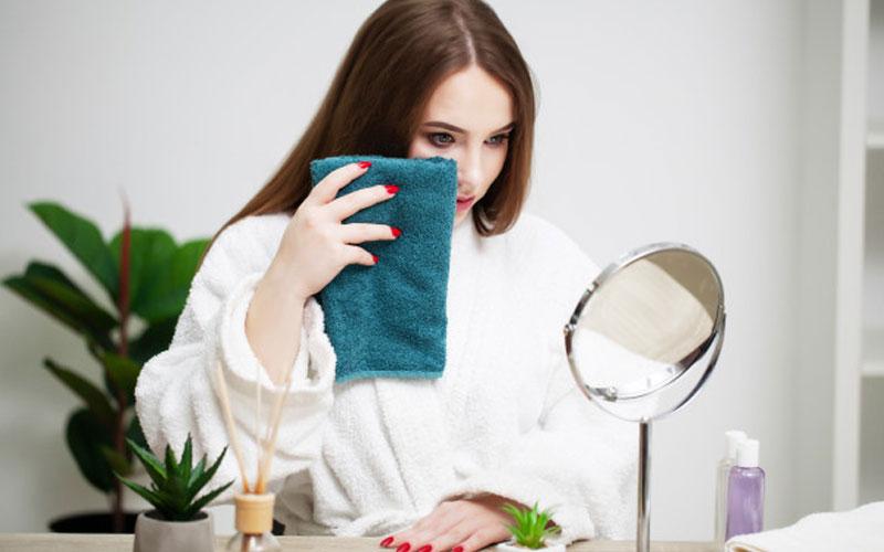 پاکسازی عمیق پوست در خانه
