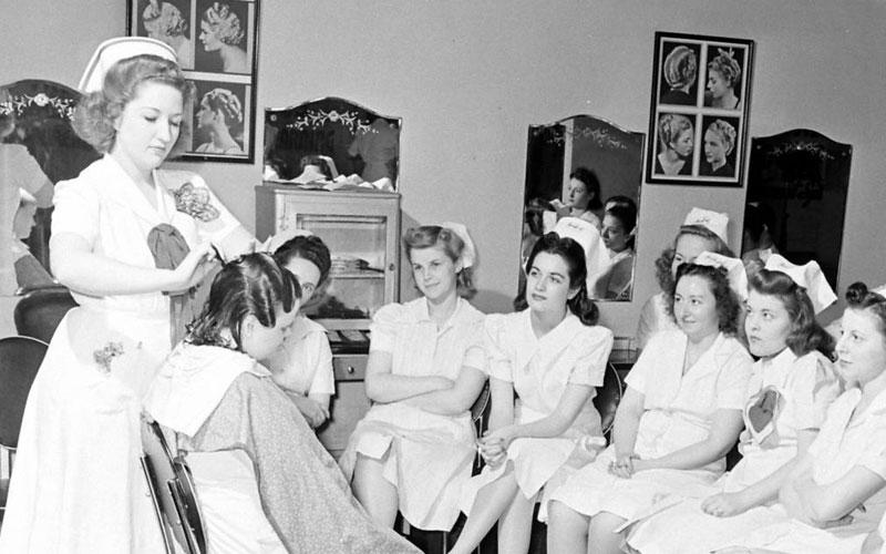 آموزش آرایشگری زنانه فنی حرفه ای