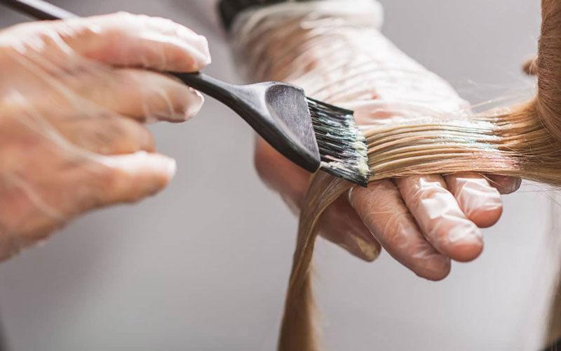 پاک کردن لکه رنگ مو از روی لباس