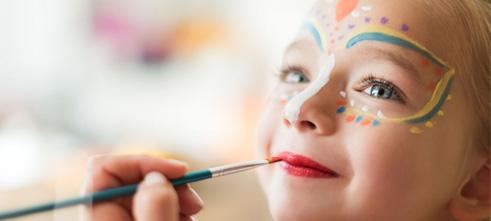 مراحل یادگیری آرایش و گریم کودک