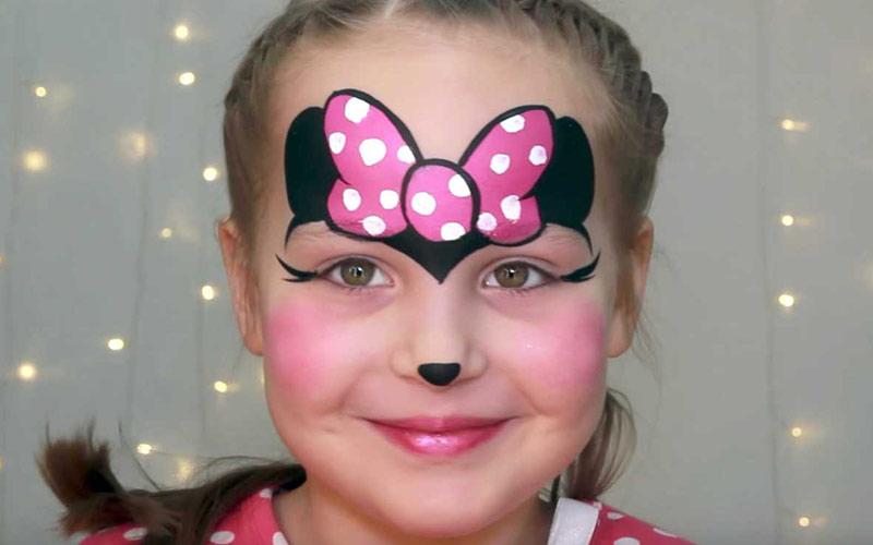 نقاشی روی صورت کودک ساده