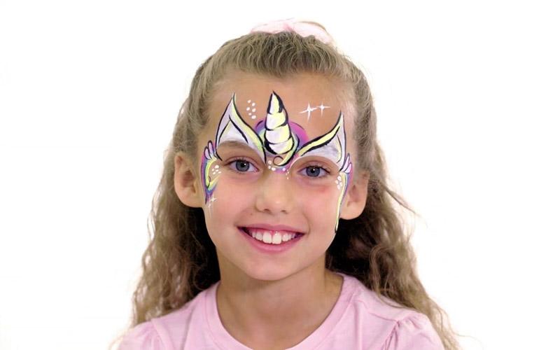 نقاشی روی صورت کودکان دخترانه