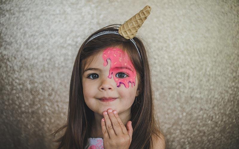 نقاشی روی صورت کودکان با گواش