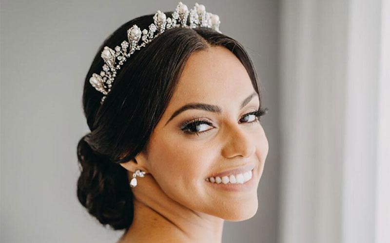 مدل موی عروس با تاج ملکه ای