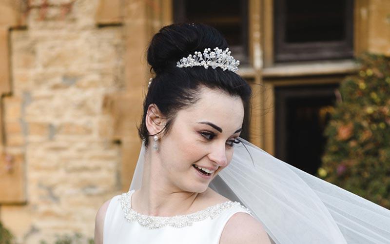 مدل موی عروس با تاج گرد