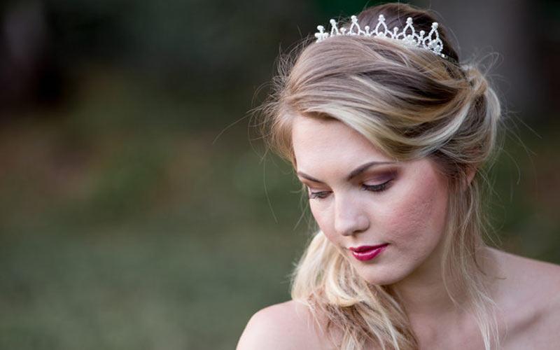 مدل مو عروس با تاج سلطنتی