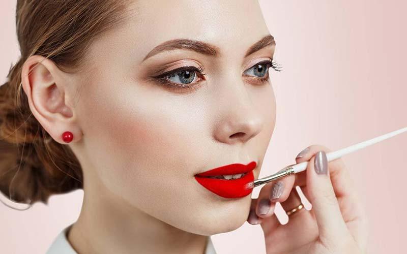 آرایش لایت با رژ قرمز