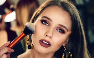 آرایش مناسب رنگ چشم