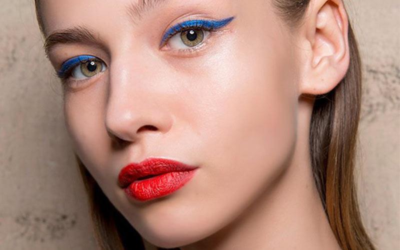 مدل آرایش چشم با رژلب قرمز