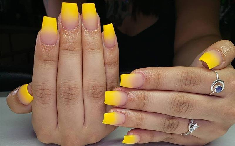 ناخن آمبره زرد جیغ