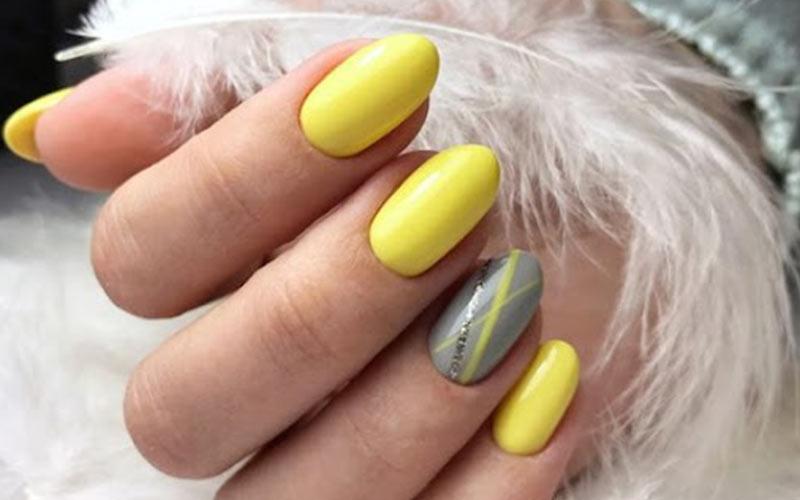 دیزاین ناخن با لاک زرد