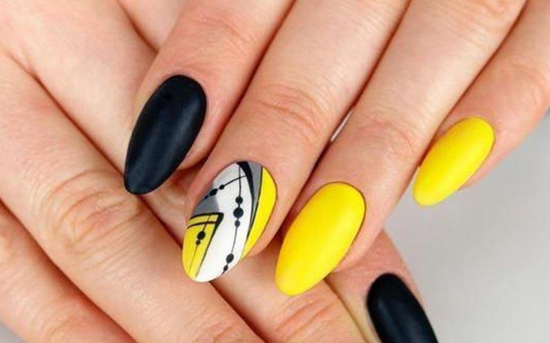 طرح ناخن رنگ طوسی و زرد
