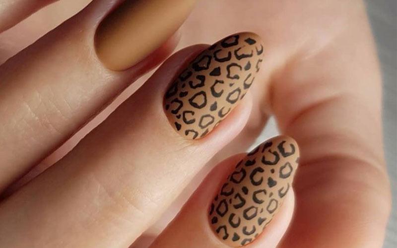 طراحی ناخن پا پلنگی