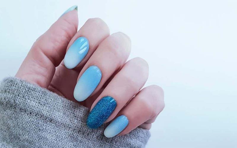 طراحی ناخن آمبره آبی روشن