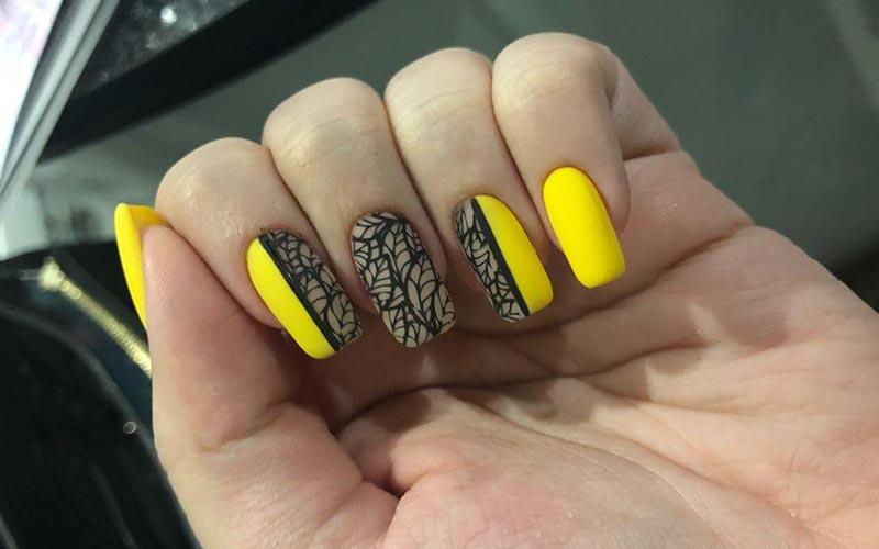 طراحی ناخن زرد