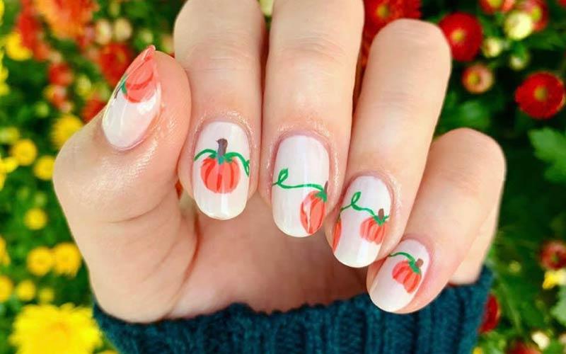 طرح میوه روی ناخن کاشت