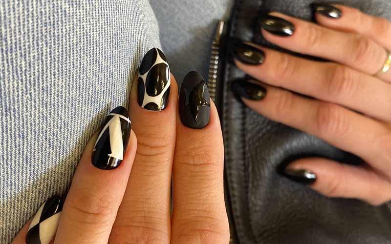 طراحی ناخن سفید و سیاه