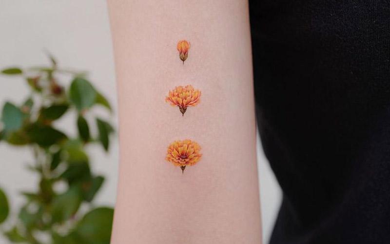 طرح تاتو گل های نارنجی