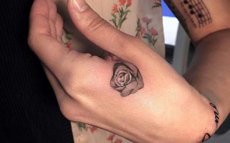 طرح تاتو گل رز کوچک