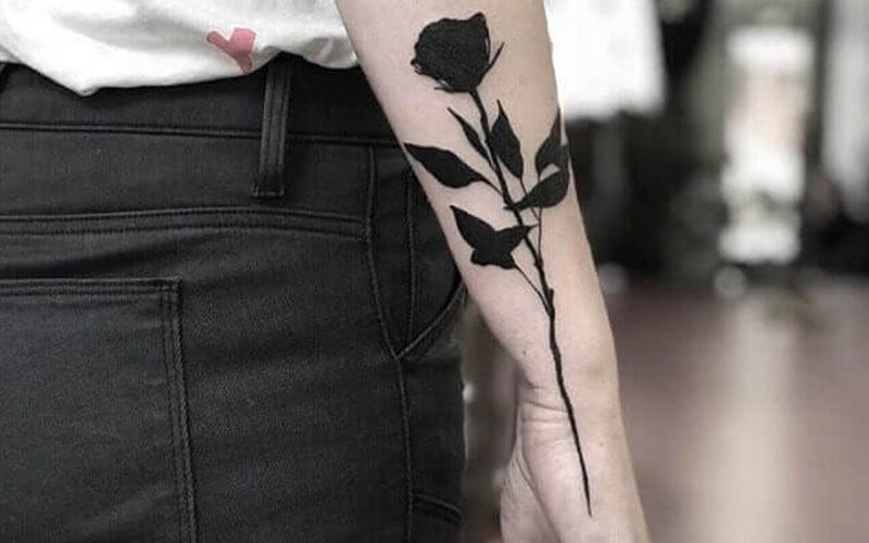 تاتو گل رز سیاه