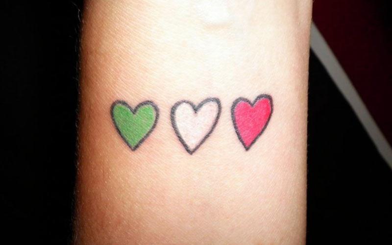 تاتو قلب رنگی