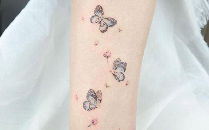 تاتو مینیمال طرح پروانه