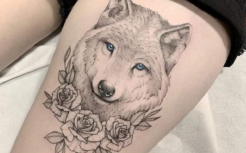 خالکوبی گرگ روی پا