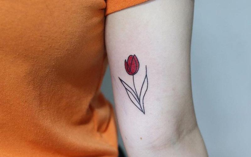 طرح تاتو گل لاله