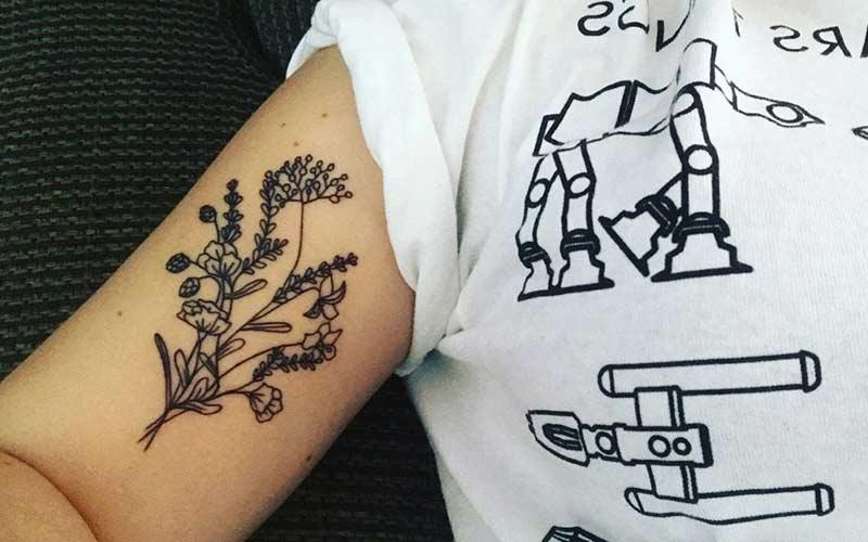 طرح تاتو گل روی بازو