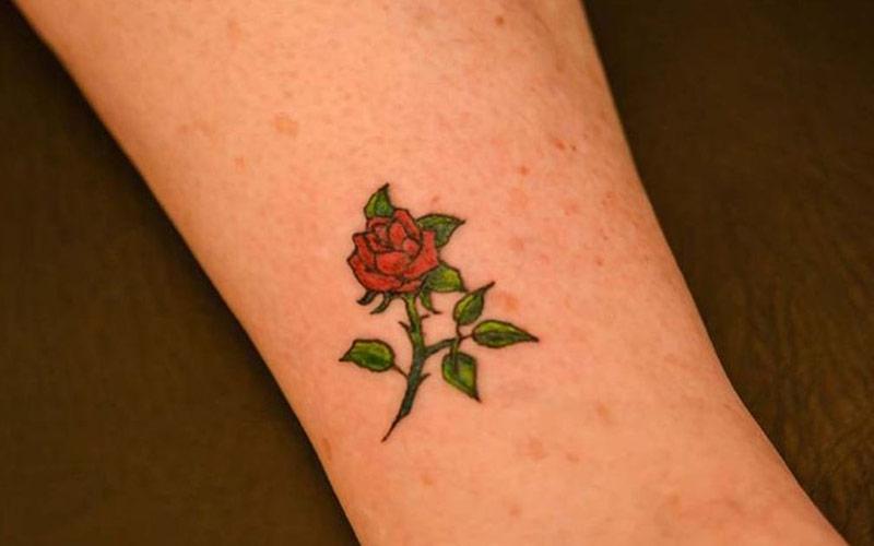 تاتو شاخه گل کوچک