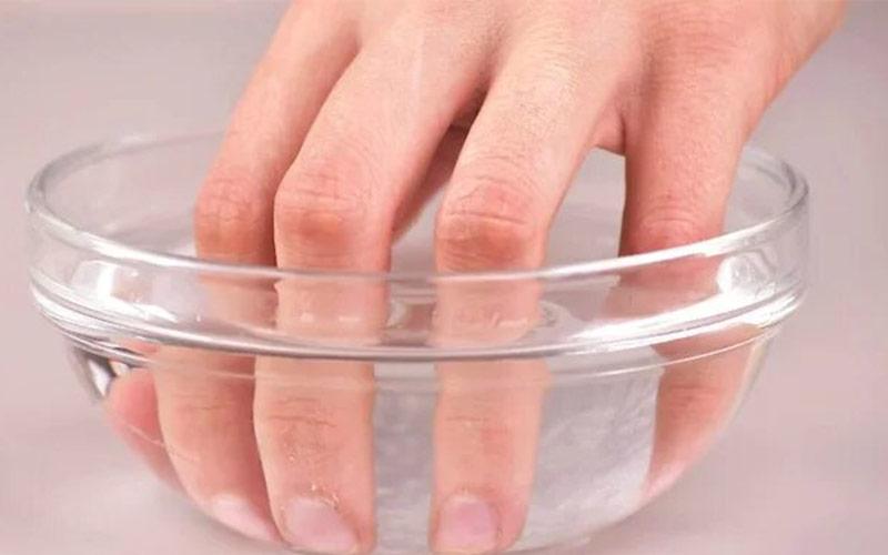 روش مانیکور ناخن کوتاه