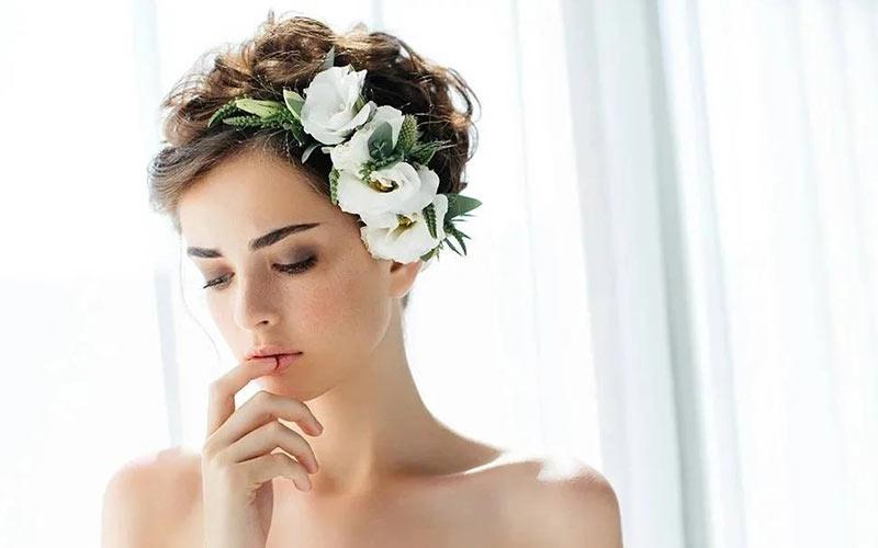 مدل موی عروس کوتاه با تاج گل