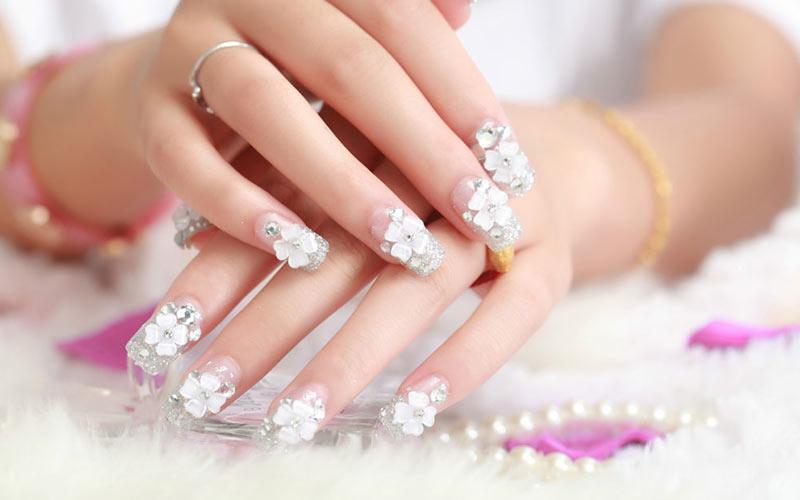 طرح ناخن عروس سفید
