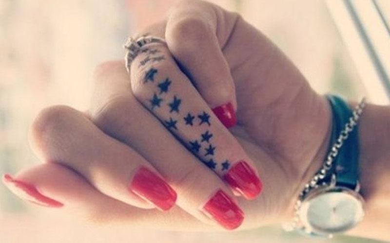 تاتو ستاره روی انگشت