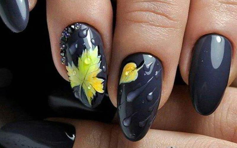 ژلیش ناخن سیاه با تم پاییزی