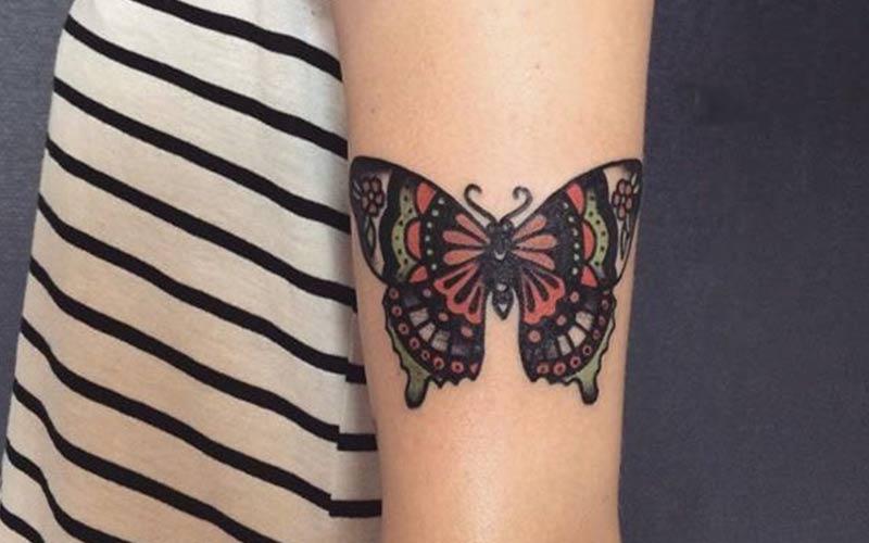 خالکوبی پروانه بزرگ روی ساعد