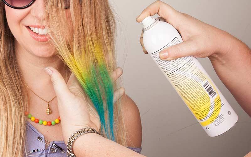 نحوه استفاده از اسپری رنگ مو موقت