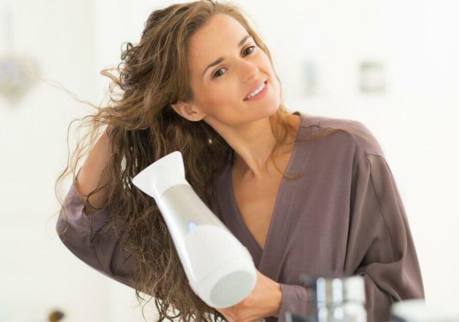 شستن و خشک کردن مو