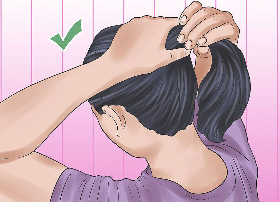 بستن موها به شکل دم اسبی شل