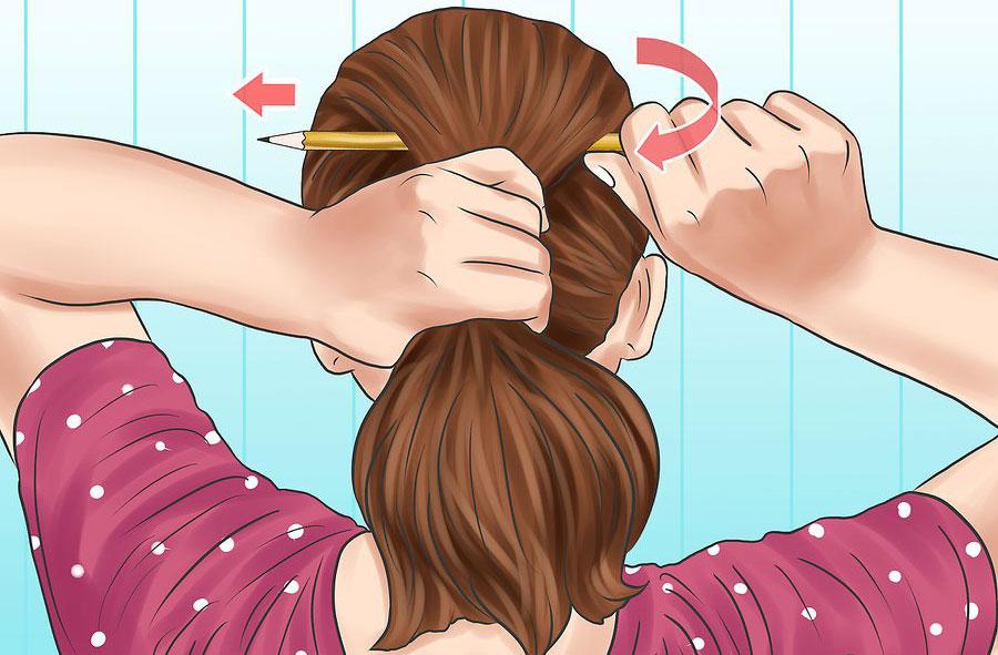 رد کردن مداد داخل موها