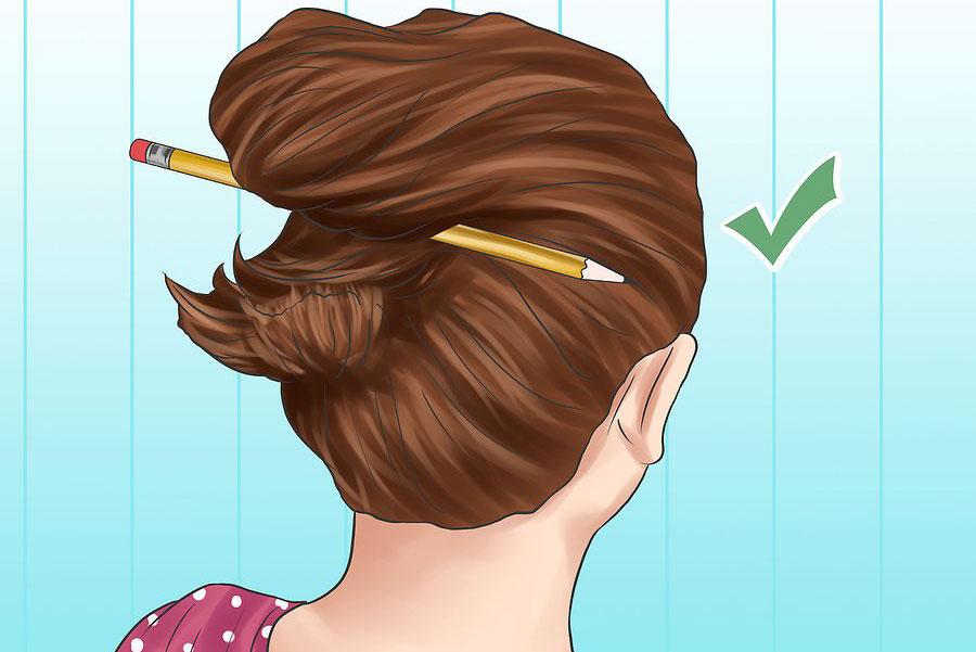 بردن بخش انتهایی موها به سمت دیگر