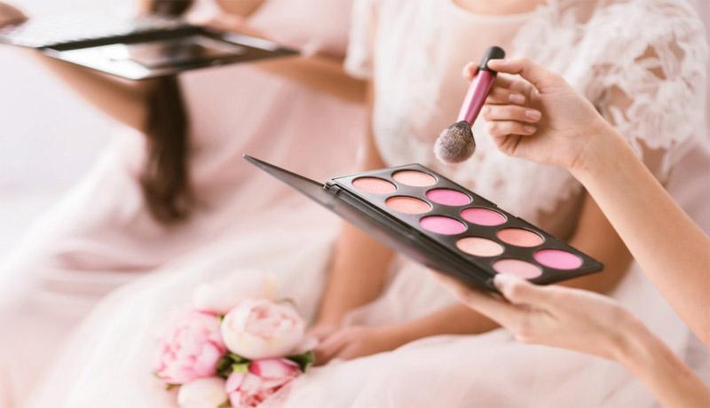 استفاده از آرایش زیاد در مراسم عروسی
